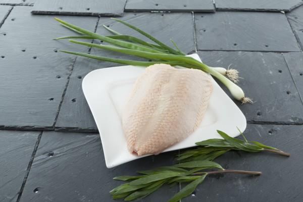 Hähnchenbrust frisch 500g, mit Haut und Knochen